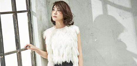 Actress Yan Ni releases fashion shots