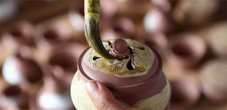 Nixing pottery making: well-preserved tradition in Qinzhou